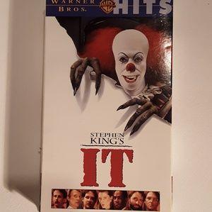 IT VHS